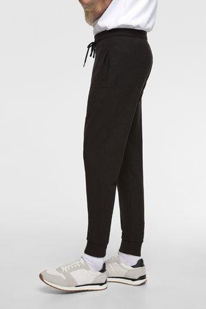 Zara Spodnie joggery z kolekcji basic