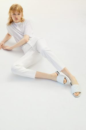 Zara Pikowane sandały na płaskiej podeszwie
