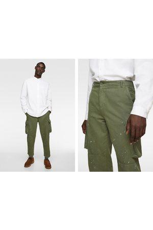 Zara Spodnie typu cargo z efektem plam z farby