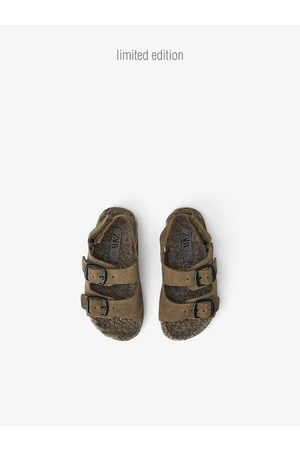 Zara Skórzane sandały z tekstylną wkładką