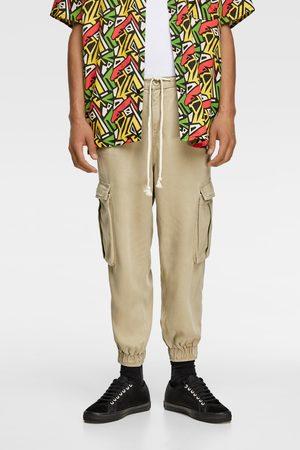 Zara Luźne spodnie typu cargo