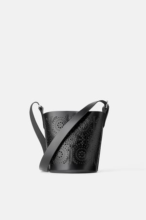 Zara Skórzana kubełkowa torebka listonoszka z dziurkowaniem