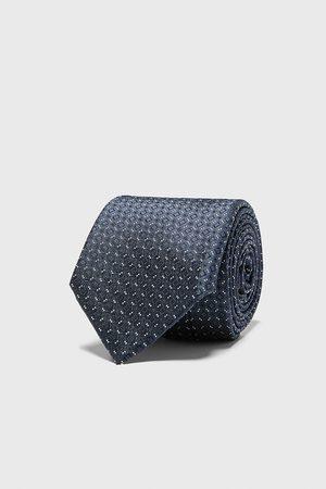 Zara Szeroki żakardowy krawat w romby