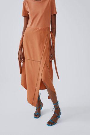 Zara Sukienka średniej długości z przeszyciami