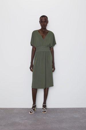 Zara Sukienka z elastycznym zdobieniem w pasie