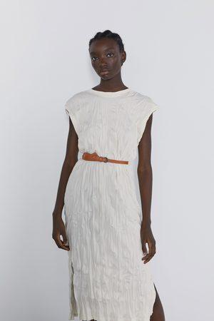 Zara Sukienka z efektem gniecenia i paskiem