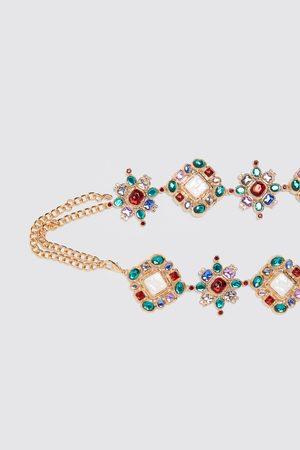 Zara Pasek z biżuteryjnym zdobieniem z limitowanej edycji