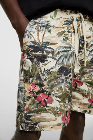 Zara Bermudy z nadrukiem w stylu tropikalnym