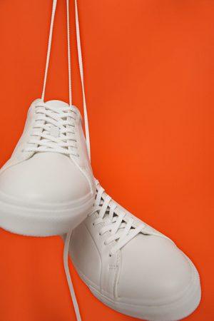 Zara Mężczyzna Obuwie sportowe - Białe skórzane buty sportowe