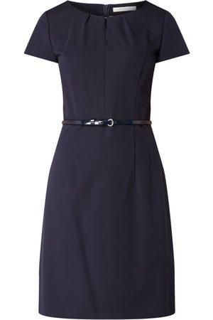 Betty & Co Sukienka z lakierowanym paskiem