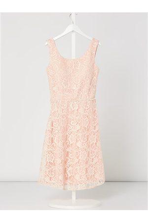 G.O.L. Sukienka z koronki z obszyciem ozdobnymi perełkami