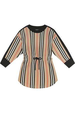 Burberry Niemowlę Sukienki z nadrukiem - Aurora Icon Stripe cotton dress