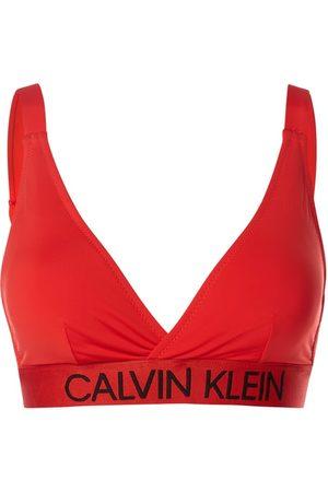 Calvin Klein Underwear Plus Top bikini PLUS SIZE z regulowanymi ramiączkami — watowany