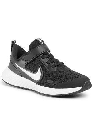 Nike Buty - Revolution 5 (PSV) BQ5672 003 Black/White/Anthracite
