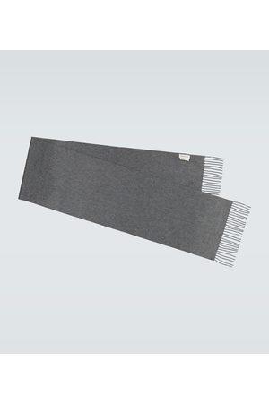Alexander McQueen Szaliki i Chusty - Fringed cashmere scarf