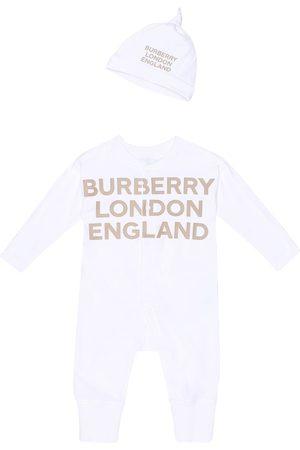 Burberry Niemowlę Body i Śpioszki - Baby Cleo cotton onesie and hat set