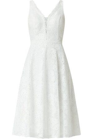 TROYDEN COLLECTION Sukienka koktajlowa z kwiatowej koronki