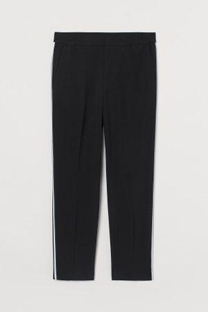 H&M Spodnie Slim Fit