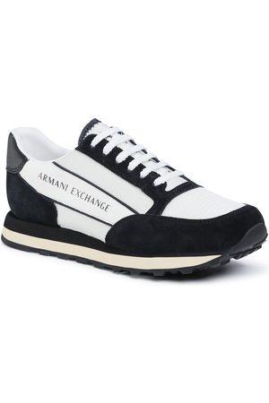 Armani Mężczyzna Buty casual - Sneakersy - XUX083 XV263 A001 Off Wht/Black