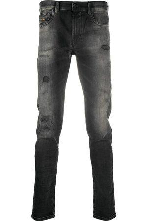 Diesel Mężczyzna Rurki i Slim Fit - Black