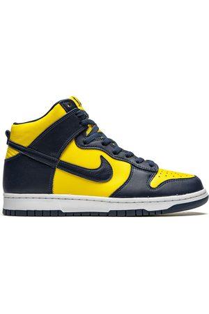 Nike Mężczyzna Tenisówki i Trampki - Yellow