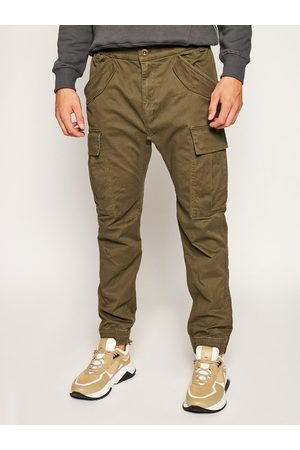 Alpha Industries Joggery Airman 188201 Zielony Tapered Fit