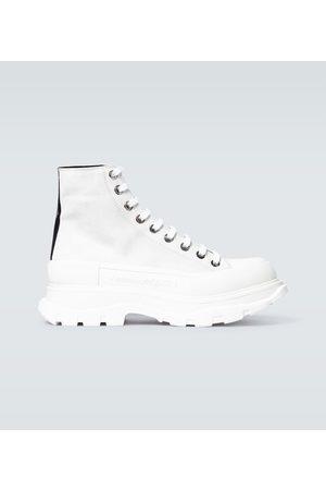 Alexander McQueen Kobieta Platformy - Tread Slick suede platform sneakers