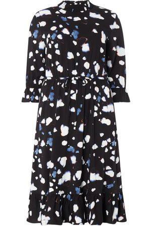 Vero Moda Kobieta Sukienki dzienne - Sukienka midi PLUS SIZE ze wzorem na całej powierzchni model 'Greta'