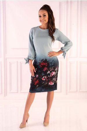 Merribel Miętowa sukienka z motywem kwiatów z wiązanym mankietem