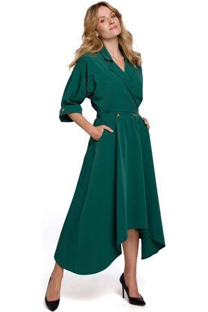 MOE Asymetryczna rozkloszowana sukienka z kopertowym dekoltem - zielona