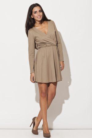Katrus Beżowa sukienka z długim rękawem z szerokim dołem