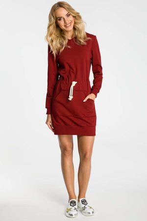 MOE Bordowa sukienka sportowa mini z kapturem