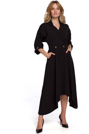 MOE Kobieta Sukienki asymetryczne - Czarna asymetryczna rozkloszowana sukienka z kopertowym dekoltem