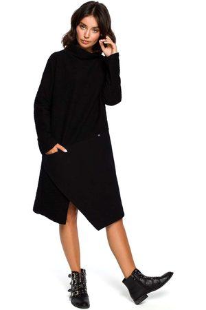 MOE Czarna asymetryczna sukienka z golfem