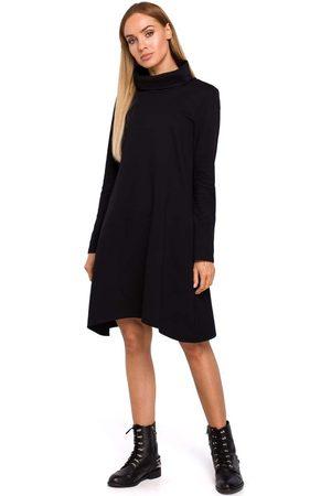 MOE Czarna asymetryczna trapezowa sukienka z golfem