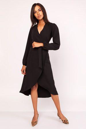 Lanti Czarna asymetryczna sukienka kopertowa z wiązanym paskiem