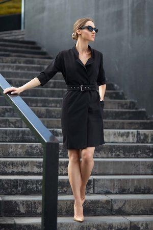 MOE Czarna elegancka szmizjerka z paskiem