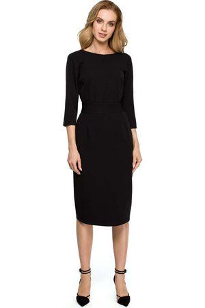 MOE Czarna dopasowana sukienka za kolano z ozdobnymi guzikami
