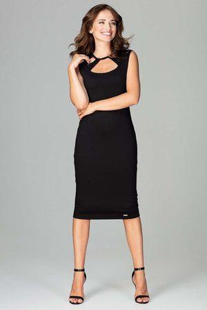 Katrus Czarna klasyczna ołówkowa sukienka midi z ozdobnym dekoltem