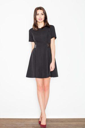 Figl Czarna elegancka i skromna sukienka z patkami z eko-skóry