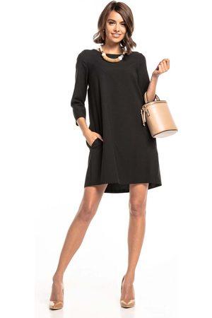 Tessita Czarna luźna sukienka marszczona na plecach