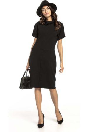 Tessita Czarna prosta sukienka dzianinowa z luźnym golfem