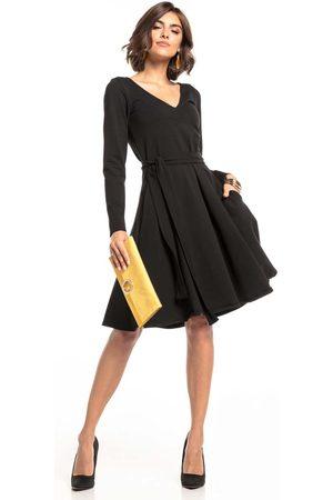 Tessita Czarna rozkloszowana sukienka w szpic