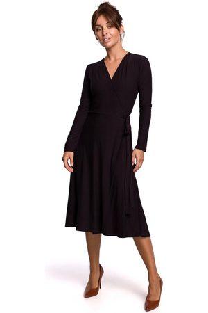 MOE Czarna sukienka kopertowa z długim rękawem