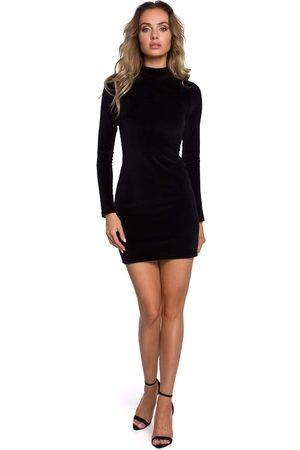 MOE Czarna welurowa dopasowana mini sukienka ze stójką