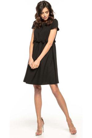 Tessita Kobieta Sukienki koktajlowe i wieczorowe - Czarna lekka zwiewna sukienka z mini rękawkiem