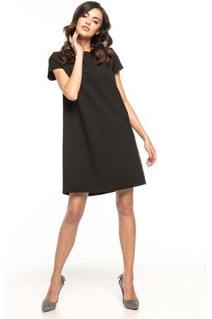 Tessita Czarna wizytowa sukienka o kroju litery a z kontrafałdą
