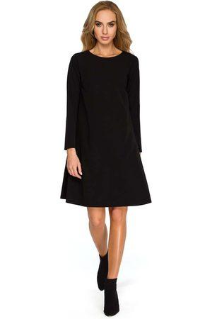 MOE Czarna wizytowa trapezowa sukienka z szyfonową wstawką