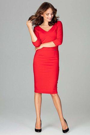Katrus Czerwona elegancka dopasowana sukienka z dekoltem v
