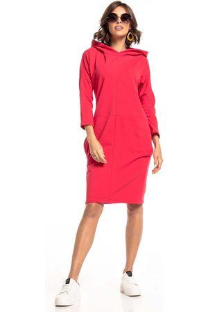 Tessita Czerwona dzianinowa sukienka z kapturem